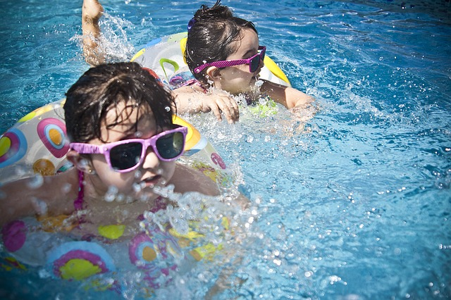 6 Swimming Pool Safety Tips