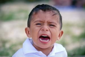 crying-child-2432052_1920