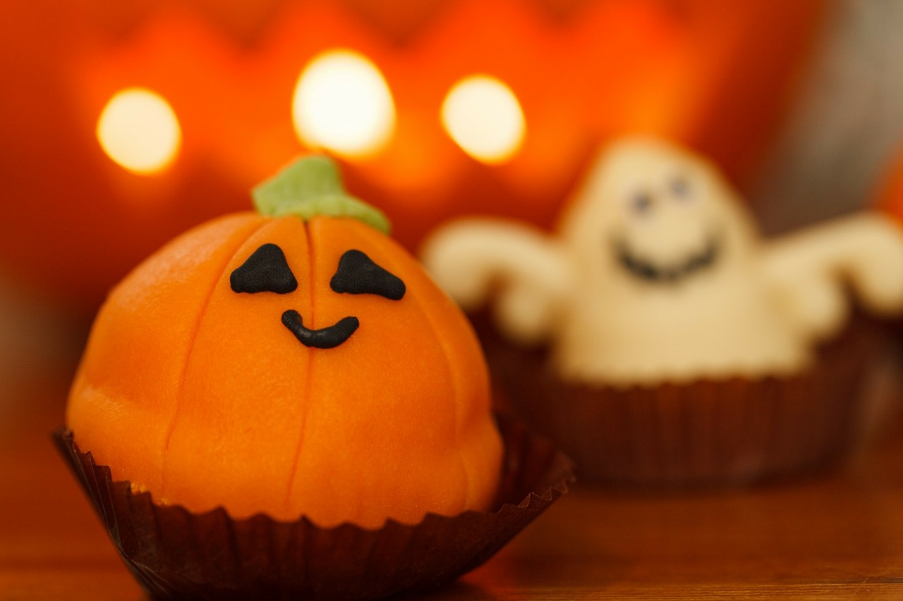 3 Drop Dead Delicious Halloween Cupcakes