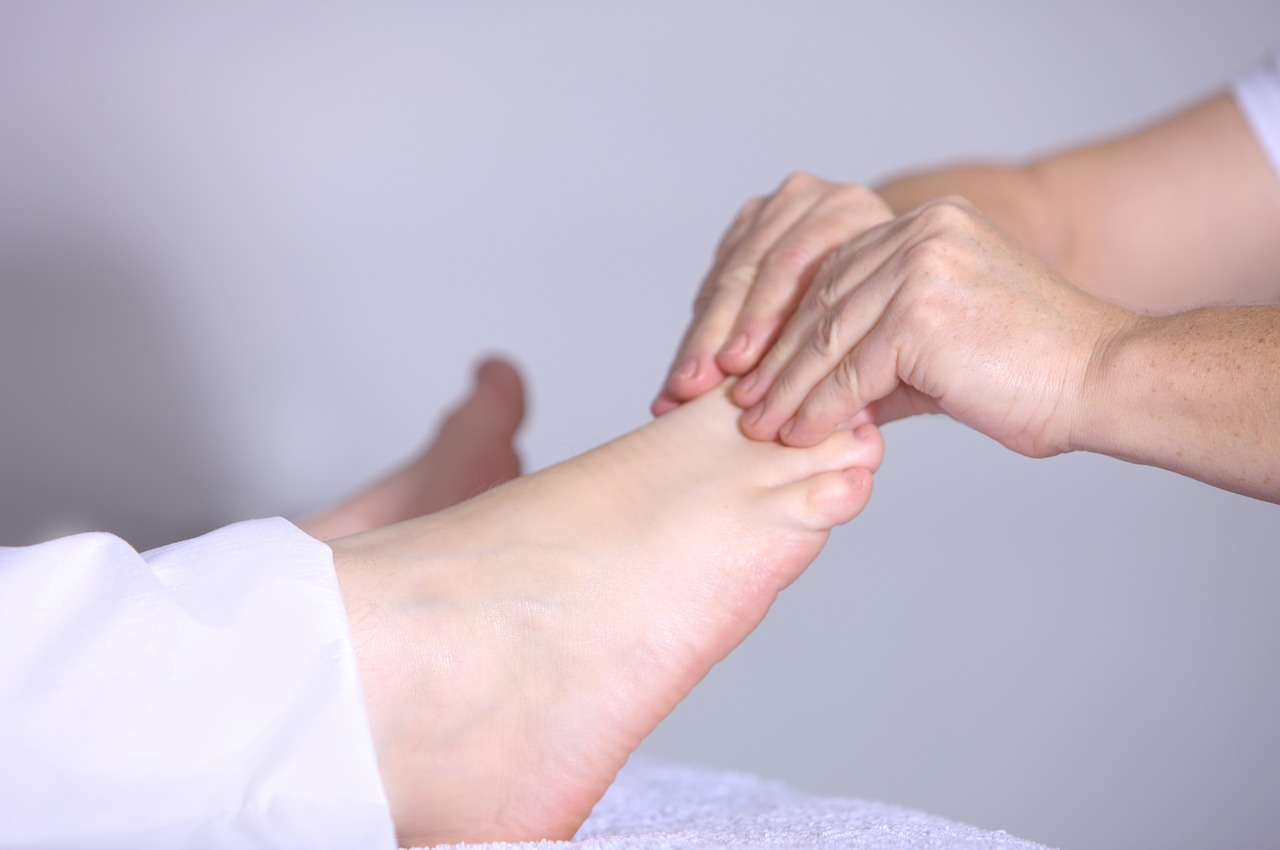 How to Give a Relaxing Foot Massage