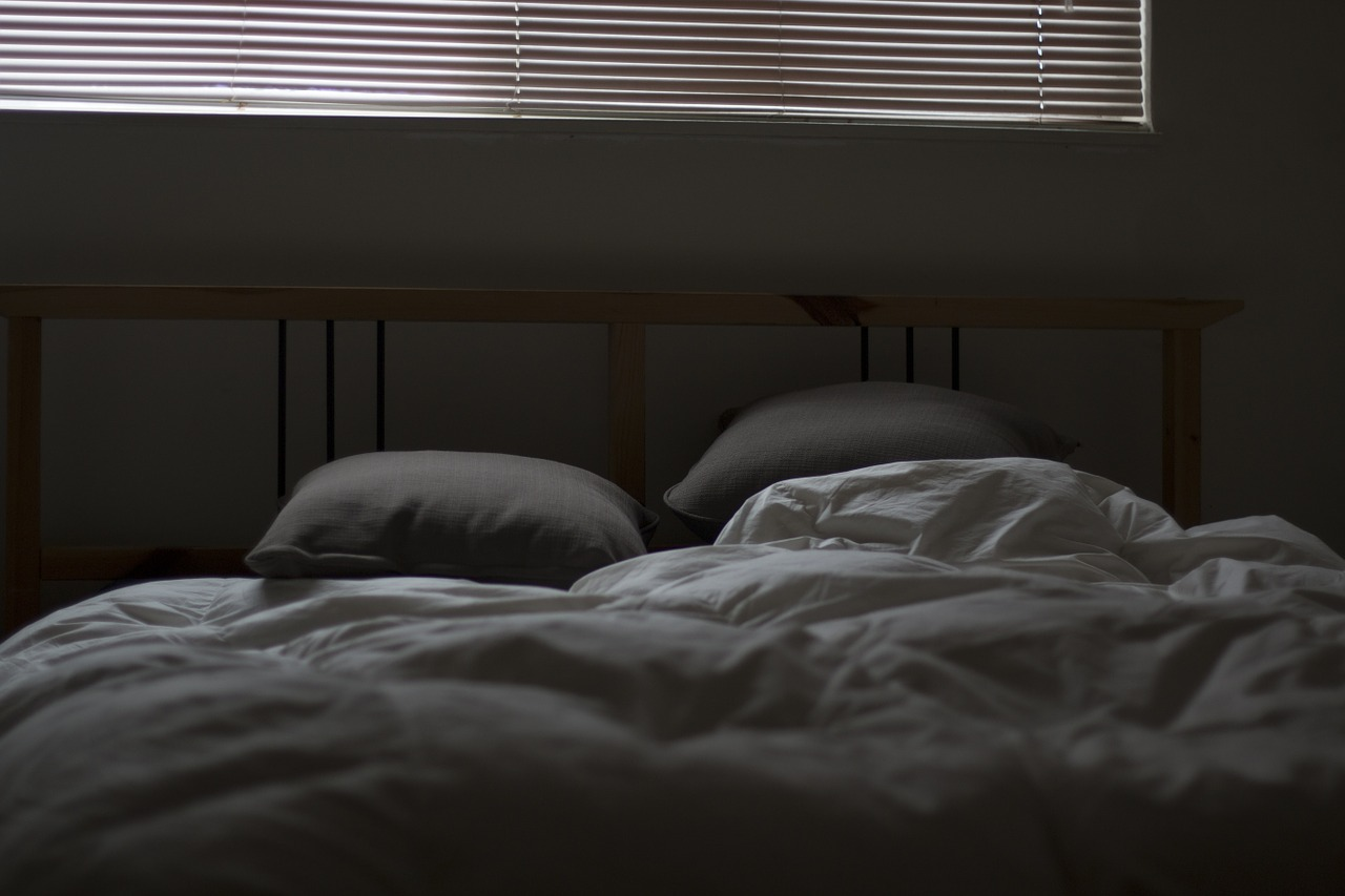 Sleeping in Separate Beds Doesn't Mean My Marriage Sucks